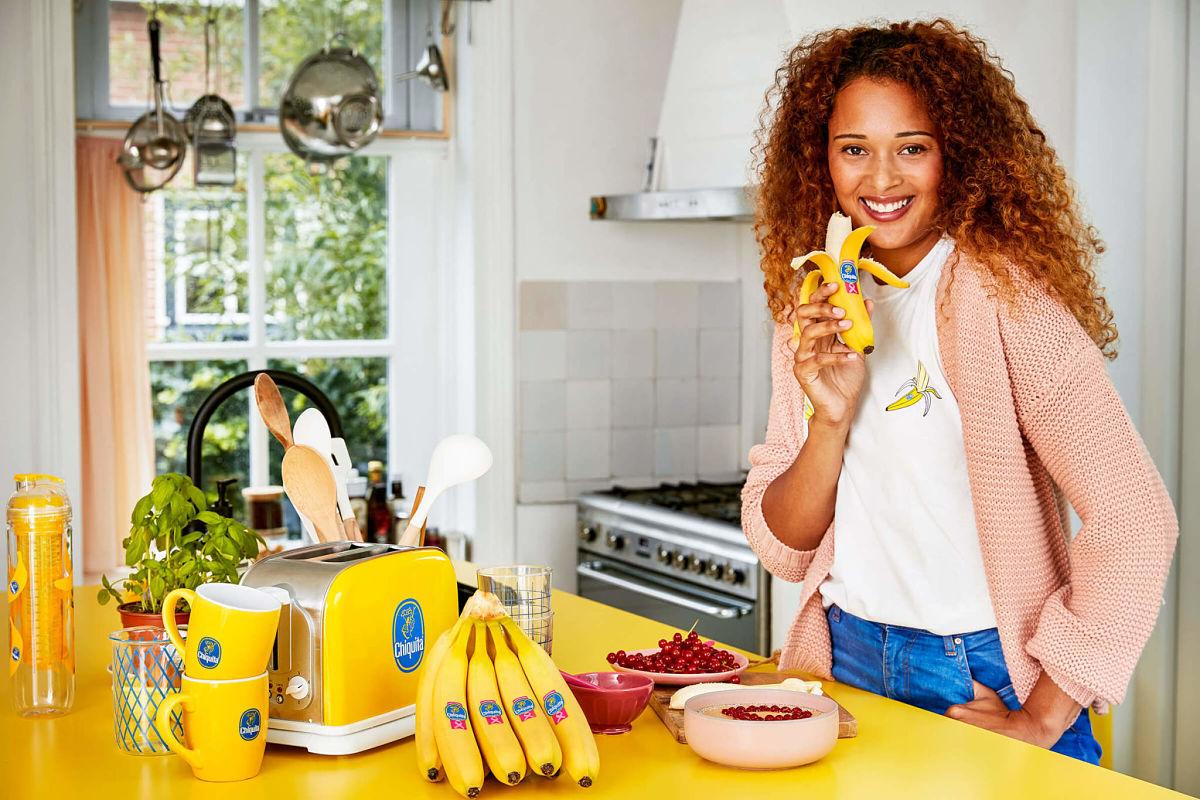 Chiquita_Pink_Ribbon_Lifestyle_Women_Kitchen
