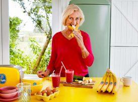 Chiquita_Pink_Ribbon_Lifestyle_Women_Kitchen2