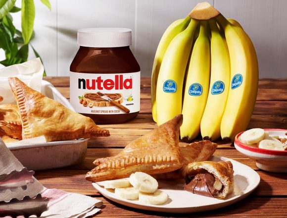 Quick_Nutella®_Chiquita®_banana_Greek_calzone_with_nuts_1200px